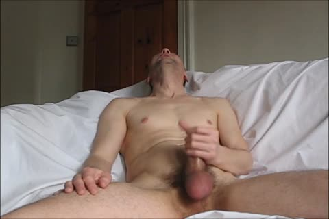 Howieboy1 Has A Leisurely Jacks Off On The sofa And sucks A palpitating Load