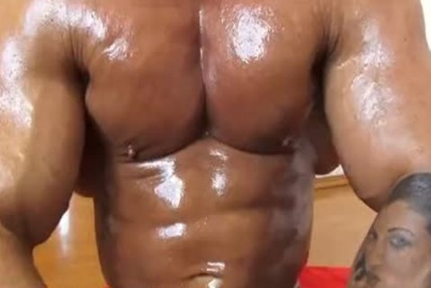 Realmuscle Bodybuilder Sensual cumshot