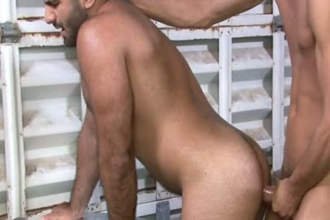 Excited homo Gives oral job At Work