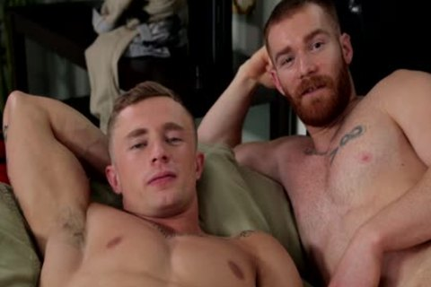 Two pumped up homo dudes Sodomize Each Other.