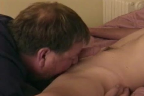 kinky young man pounds daddy dude With nice 10-Pounder