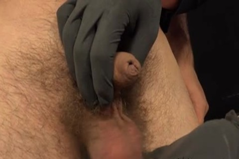 Paul And Viktor slutty handjob