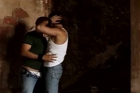 Rovitoni And Eduardo Likes Outdoor Pissing And anal dril