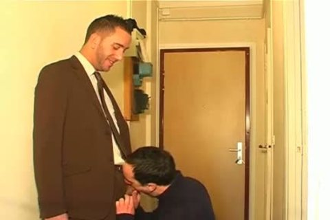 Full clip: A innocent Neighbour Serviced His large cock By A lad!