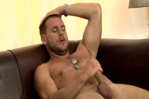 stylish Hunk Hans jerking off - Hans Berlin