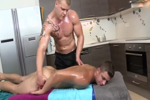 Muscle Daddy ass job With Massage