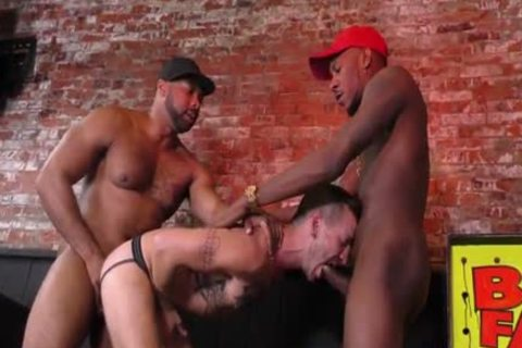 User_Uploaded_blacksonboys_22_.mp4