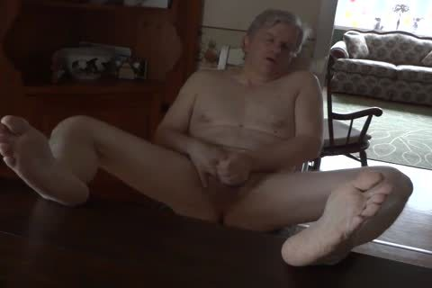 Daddy Masturbating in nature's garb In The Kitchen