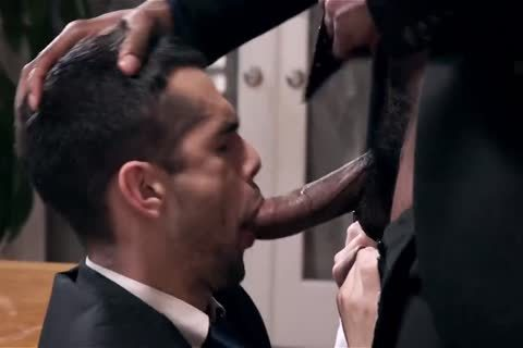 Giving Your dark Boss A oral-job And Getting Barebacked
