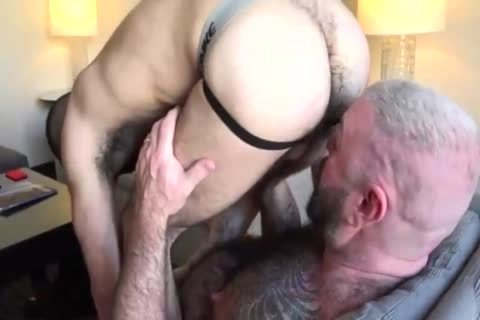 Daddy poke A Hungry lad unprotected