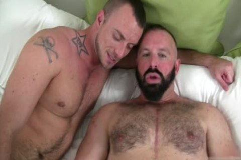 large ramrod Bear pooper job And cumshot