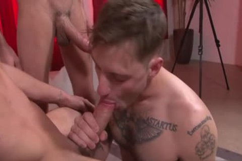 gigantic 10-Pounder homosexual threesome And spunk flow