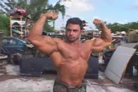 fashionable Bodybuilder: Mark Alvisi