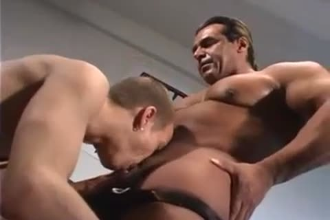 powerful Wrestlers suck & pounding