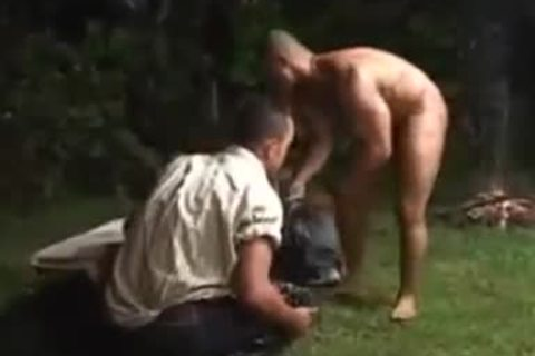 outdoors Interracial anal banging & Cumming
