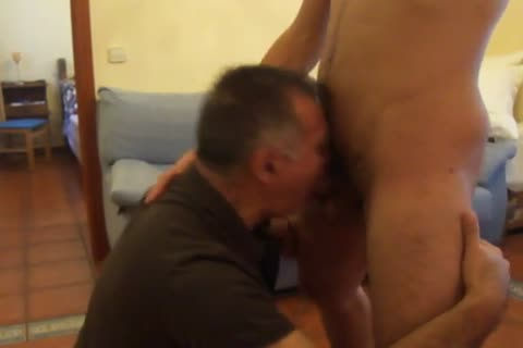 A 30-year old, Tall & chic,Out Of Town Guest With A gigantic chubby 10-Pounder Stops By For A blowjob-sex And Then this dude bonks Me On All Four.  this dude CUMS On My Back.  Needless To Say, I Was Very cheerful!  Chaval Alto Y Guapeton De 30-algo C