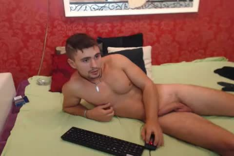 messy Romanian Model From Webchat Caught In Free Show