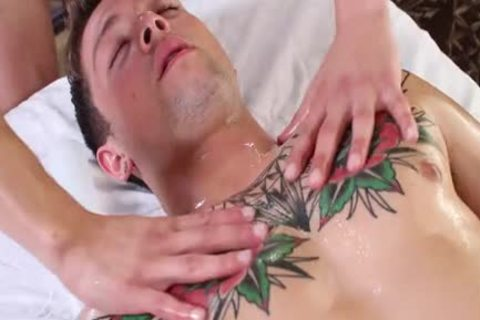 HD - GayRoom Oiled Up Massage Turns Into