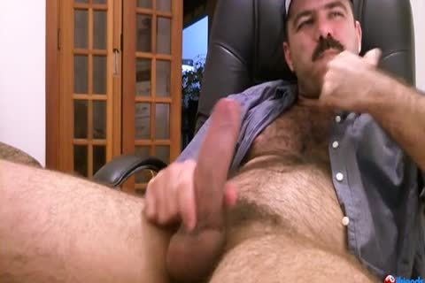 hairy lad Solo jerking off