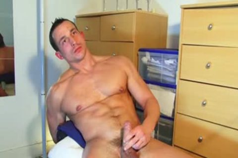 Unrepining fastened oriental twink acquires wanked