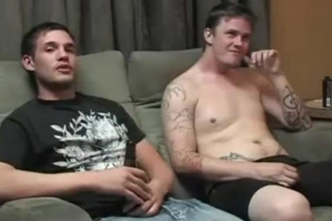 gorgeous males jerking off & sucking