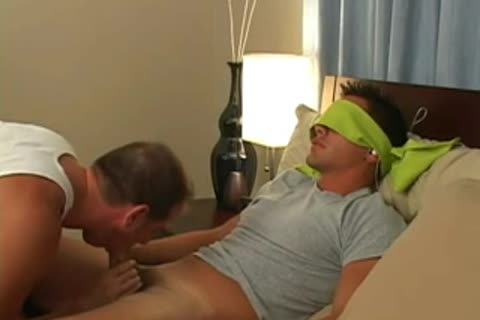 oral sex For Blindfolded dude At sofa