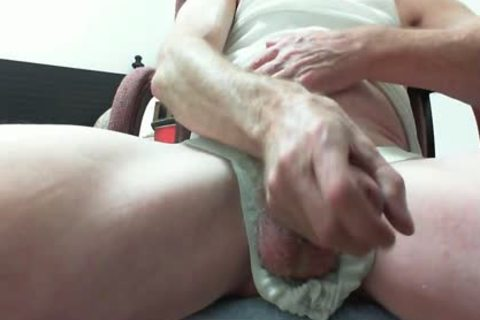 """I Have Been Texting And Emailing With Xtube Buddy """"CPMACIAS"""" Located In California.  Our Conversations Are Detailed And naughty!!  Needless To Say; I Needed Some Relief!! . This Is For u CPMACIAS.  ALL HAIL TO THE PUBIC BUSH!!"""