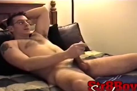 Straight guy Gianni Jerks Off