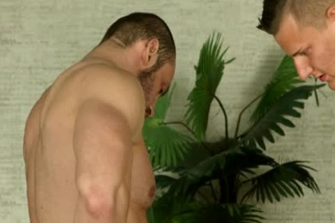 Bi Bear Barebacks dude