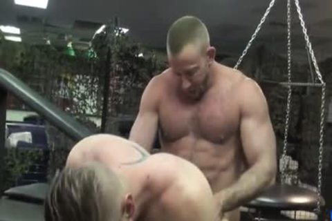 Muscle Daddy BB pounds Pal