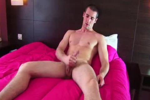 Full video: A innocent straight Roomservice lad Serviced His large 10-Pounder By A lad!