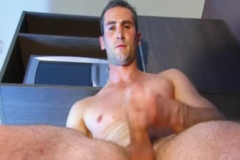 A nice blameless str8 lad Serviced His gigantic 10-Pounder By A lad In Spite Of Him!