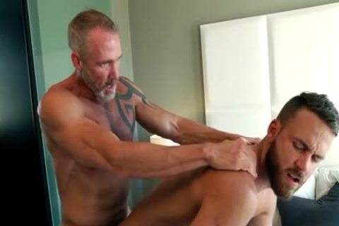 Muscle homosexuals ass sex And cumshot