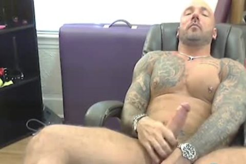 Tatted Bear And His Earth Shattering orgasm