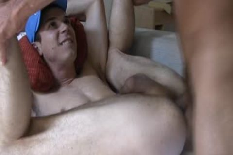 Latin homosexual oral sex stimulation and goo flow