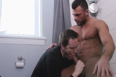 Large penis homo oral sex job and facial