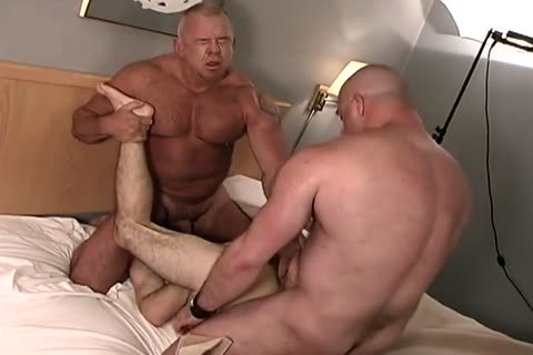 Gay trio protected banging cumming