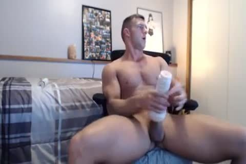 wild Fit pound Gives His Fleshlight A worthy plowing