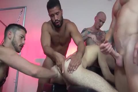 bareback gangbang With Multiple Creampies