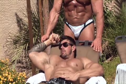Gay muscle men.com