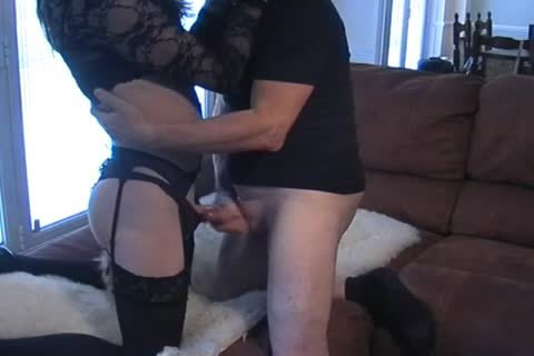 Petgirl Crossdresser fucked By older corporalist