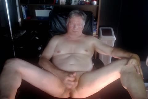 older man Play On webcam