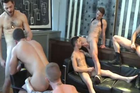 Muscle homosexual oral stimulation And cumshot