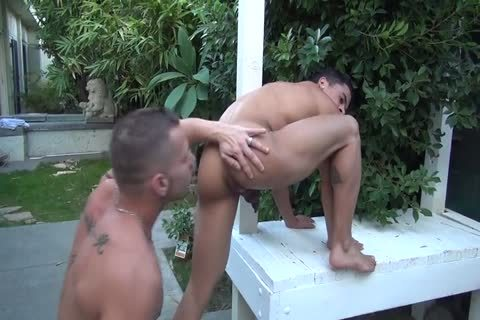 Shane Frost plows Armond Rizzo bare