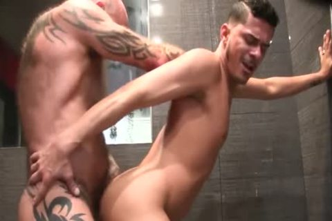 Free Gay Porn Bare