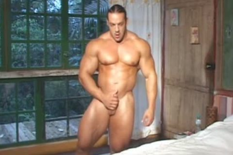 Bodybuilder Muscle Worship two