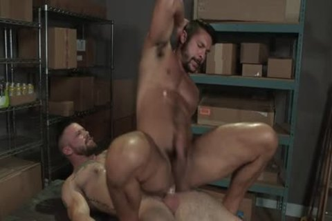 Muscle Bear anal With anal sperm flow