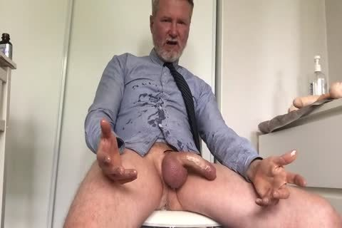 This daddy lad Likes To Masturbate Hard