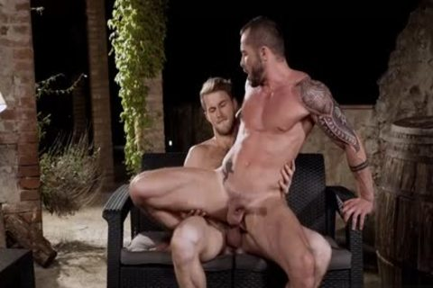Large ramrod homosexual oral service with cumshot