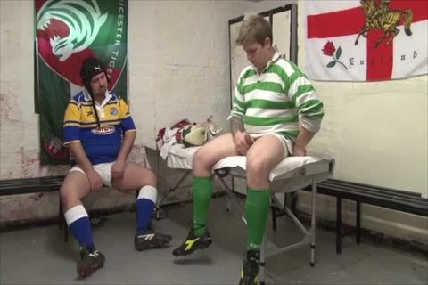 Rugby Bears hammering In Locker Room